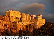 The Acropolis in Athens at sunset (2019 год). Стоковое фото, фотограф Роман Сигаев / Фотобанк Лори