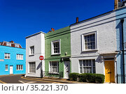 England, London, Westminster, Kensington and Chelsea, Colourful Residential... Стоковое фото, фотограф Steve Vidler / age Fotostock / Фотобанк Лори
