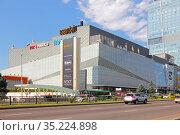 """Торгово-развлекательный центр """"Казахстан"""", ESENTAI mall в Алма-Ате (2018 год). Редакционное фото, фотограф Михаил Старшов / Фотобанк Лори"""