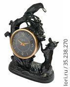 """Часы """"Ворона и лисица"""", Касли, 1965. Чугун. Редакционное фото, фотограф Мария Кылосова / Фотобанк Лори"""