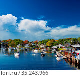 Fishing boats docked in Perkins Cove, Ogunquit, on coast of Maine... Стоковое фото, фотограф Zoonar.com/NIKOLAY OKHITIN / easy Fotostock / Фотобанк Лори