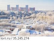 White roofs of buildings and high-rise buildings. Стоковое фото, фотограф Дмитрий Тищенко / Фотобанк Лори