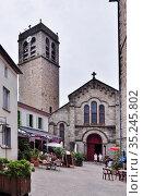Церковь Святого Бодиля и колокольня в старинной  деревне d'Antraïgues-sur-Volane, Ardèche, région Auvergne-Rhône-Alpes. France. Стоковое фото, фотограф Вера Смолянинова / Фотобанк Лори