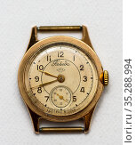 Старые наручные часы Победа. Редакционное фото, фотограф Игорь Низов / Фотобанк Лори