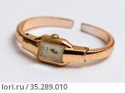 Старые наручные часы Слава. Редакционное фото, фотограф Игорь Низов / Фотобанк Лори