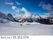 Panorama of mountains and ski pistes in Pralongan. Стоковое фото, фотограф Сергей Новиков / Фотобанк Лори
