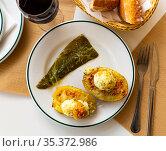 Potatoes stuffed with bacon, greens and eggs. Стоковое фото, фотограф Яков Филимонов / Фотобанк Лори