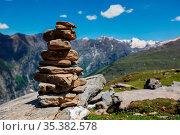 Stone cairn in Himalayas. Near Manali, above Kullu Valley, Himachal... Стоковое фото, фотограф Zoonar.com/Photographer: Dmitry Rukhlenko / easy Fotostock / Фотобанк Лори