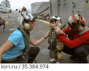 MEDITERRANEAN SEA Aboard the USS Trenton -- 21 Jul 2006 -- An American... Редакционное фото, фотограф Jonathan William Mitchell / age Fotostock / Фотобанк Лори