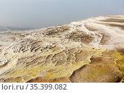 White travertine formations at hot springs of Pamukkale, Turkey. Стоковое фото, фотограф Яков Филимонов / Фотобанк Лори