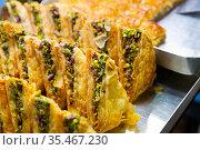 Oriental sweets pahlava. Стоковое фото, фотограф Яков Филимонов / Фотобанк Лори