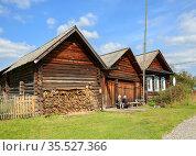 Historical log house. Ust-Utka village, Nizhny Tagil City District, Sverdlovsk Olbast, Russia. Редакционное фото, фотограф Bala-Kate / Фотобанк Лори