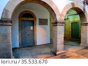 Arcade in the Town Hall of Viana do Bolo, Orense, Spain. Стоковое фото, фотограф Pablo Méndez / age Fotostock / Фотобанк Лори