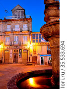 Main square of Viana do Bolo, Orense, Spain. Стоковое фото, фотограф Pablo Méndez / age Fotostock / Фотобанк Лори
