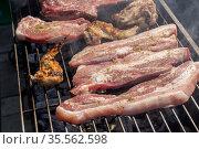 Cooking on charcoal close-up. Стоковое фото, фотограф Татьяна Ляпи / Фотобанк Лори