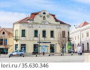 Building of pharmacy at Fo ter Square in Keszthely, Hungary. Редакционное фото, фотограф Николай Коржов / Фотобанк Лори