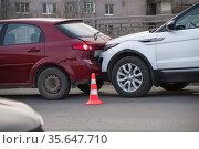 vehicle crash on the road at shallow depth of field. Стоковое фото, фотограф Дмитрий Бачтуб / Фотобанк Лори