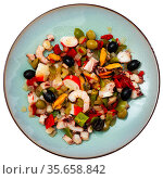 Popular Spanish Salpicon from vegetables and seafood mix. Стоковое фото, фотограф Яков Филимонов / Фотобанк Лори