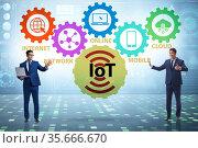 Internet of Things IOT concept with businessman. Стоковое фото, фотограф Elnur / Фотобанк Лори