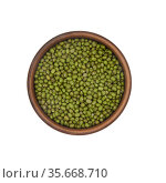 Mung beans in clay bowl isolated on white background, top view. Стоковое фото, фотограф Евгений Харитонов / Фотобанк Лори