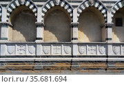 External detail from the Basilica of Santa Maria Novella, a church in Florence, Italy famous for it's detailed façade. Редакционное фото, агентство World History Archive / Фотобанк Лори