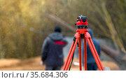 optical level on a rainy day with shallow depth of field. Стоковое фото, фотограф Дмитрий Бачтуб / Фотобанк Лори