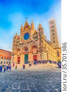 Siena, Italy - October 25, 2018: Landmark of Tuscany Siena Cathedral... Стоковое фото, фотограф Zoonar.com/Nataliya_Nazarova{} / age Fotostock / Фотобанк Лори