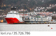 Norwegian offshore Supply Ship is moored in Bergen (2017 год). Стоковое фото, фотограф EugeneSergeev / Фотобанк Лори