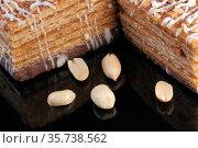 Wafer caramel cake with peanuts. Стоковое фото, фотограф Владимир Белобаба / Фотобанк Лори