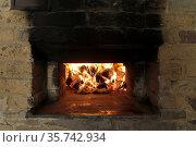 Brotbackseminar, Vorheizen des Ofen zum Backen, Bergisches Land, ... Стоковое фото, фотограф Zoonar.com/© Jens Schmitz / age Fotostock / Фотобанк Лори