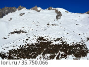 The Schinhorn viewed from the South. In the Bernese Alps above the... Стоковое фото, фотограф Neil Harrison / age Fotostock / Фотобанк Лори