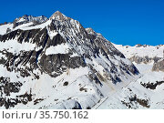 The Geisshorn (foreground) and Aletshhorn behind in the Bernese Alps... Стоковое фото, фотограф Neil Harrison / age Fotostock / Фотобанк Лори