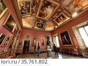 Tourists in the Galleria Borghese reopened to the public as Lazio... Редакционное фото, фотограф Maria Laura Antonelli / AGF/Maria Laura Antonelli / age Fotostock / Фотобанк Лори