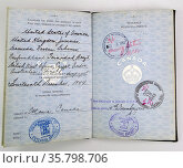 Canadian Passport issued to a British Royal Air Force pilot to permit ease of entry to Canada in order to ferry frequent VIP passengers and new aircraft. Редакционное фото, агентство World History Archive / Фотобанк Лори