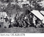 Incidents of the war, group at Secret Service Department Headquarters, Army of the Potomac, Antietam, October 1862. Редакционное фото, агентство World History Archive / Фотобанк Лори