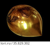 Japanese gilded, box in the shape of a persimmon fruit. Wood with painted lacquer design in slight relief, 19th century. Редакционное фото, агентство World History Archive / Фотобанк Лори
