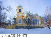 Бывшая старая православная церковь (Savonlinnan Pikkukirkko) мартовским днем. Савонлинна, Финляндия (2018 год). Стоковое фото, фотограф Виктор Карасев / Фотобанк Лори