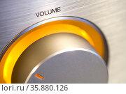 Volume adjuster knob on hifi. Стоковое фото, агентство Ingram Publishing / Фотобанк Лори