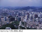 Aerial view of city. Стоковое фото, агентство Ingram Publishing / Фотобанк Лори