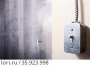 Light switch. Стоковое фото, фотограф Shannon Fagan / Ingram Publishing / Фотобанк Лори