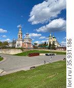 Успенская и Ильинская церкви, Серпухов. Стоковое фото, фотограф Мария Кылосова / Фотобанк Лори