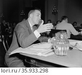 Leo A. Dawson, testifying before the Dies Un-American Committee about communism in the Federal Theatre Project. Редакционное фото, агентство World History Archive / Фотобанк Лори