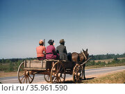 African American family travelling to town on a Saturday afternoon. Редакционное фото, агентство World History Archive / Фотобанк Лори
