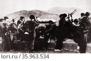 Republican soldiers defend San Marcial during the Campaign of Gipuzkoa. Редакционное фото, агентство World History Archive / Фотобанк Лори