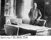 Photographic portrait of Count Terauchi Masatake. Редакционное фото, агентство World History Archive / Фотобанк Лори