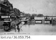 The treport, the bridge of the reserve, postcard 1900. (2009 год). Редакционное фото, фотограф Louis Bertrand / age Fotostock / Фотобанк Лори