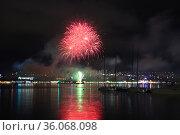 Геленджикский фейерверк. Июнь 2021. Стоковое фото, фотограф Игорь Архипов / Фотобанк Лори