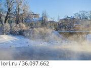 Городской пейзаж морозным февральским днем. Вытегра, Вологодская область. Редакционное фото, фотограф Виктор Карасев / Фотобанк Лори
