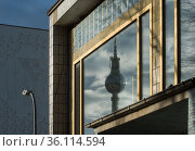 """Berlin, Germany - Reflection of the TV tower in the outside window"" Редакционное фото, агентство Caro Photoagency / Фотобанк Лори"