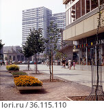 """Berlin, GDR, Leipziger Strasse with view of the Spittelkolonnaden"" (1985 год). Редакционное фото, агентство Caro Photoagency / Фотобанк Лори"